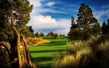 The Course: PRONGHORN | The Wonder: Smith Rock | Pronghorn features a Jack Nicklaus Signature Course.