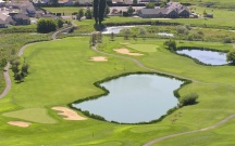 The Course: MEADOW LAKES | The Wonder: Painted Hills | This challenging and enjoyable course was designed by Bill Robinson.
